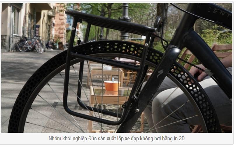In 3d được lốp xe không hơi, sử dụng máy in 3D BigRep (Đức). Bỏ lại chiếc bơm hơi xe ở nhà vì từ bây giờ chúng ta chắc sẽ không dùng tới nó nữa. Những ứng dụng mới của công nghệ tạo mẫu nhanh, đi đến sản xuất thực tế đáp ứng nhu cầu ngày càng cao của người dùng.