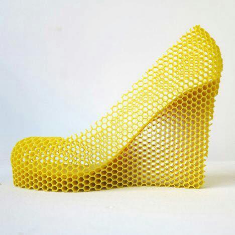 Nếu không có máy in 3D, gia công những đôi giày này có được không? Máy in 3D là thiết bị gia công đa năng nhất trên trái đất này. Nếu bạn còn...