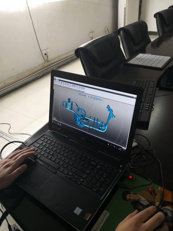 Quét 3D chi tiết khung xe máy nhờ máy quét 3D laser cầm tay | Free scan X7. Quét tốc độ cao, chi tiết. Độ phân giải lên tới 0.05 mm / Quét tận nơi.